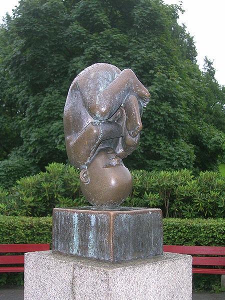 Skulpturen Fostre av Gustav Vigeland