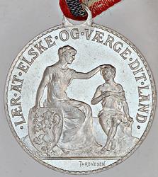 Denne medaljen hadde klare instrukser til bæreren og de som så den