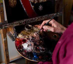 Paletten til Ross Kolby inneholdt mye rødt, hvitt, blått og gull