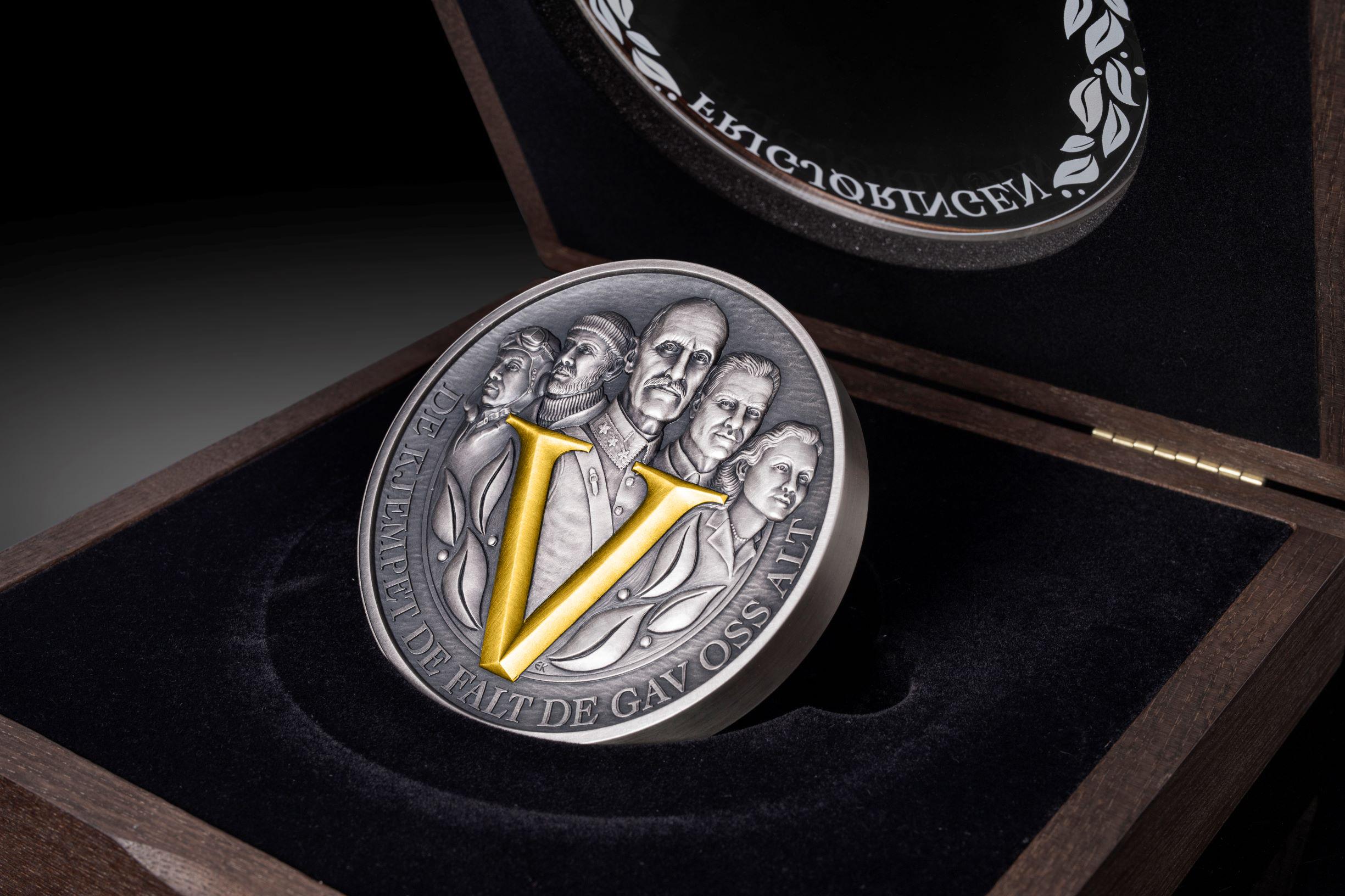 Minnemedalje 1 kilo sølv belagt med gul