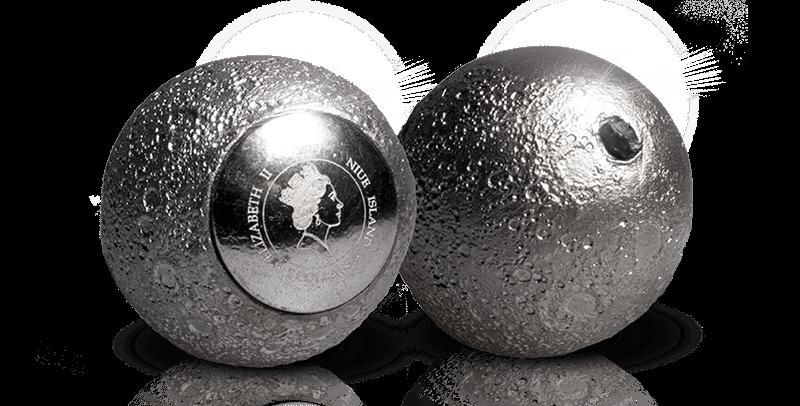 Måneformet sølvmynt med ekte månestein