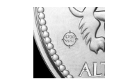Pregemerket garanterer at minnemedaljen er preget i ekte krigssølv