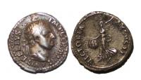 Vitellius denarius med Victoria